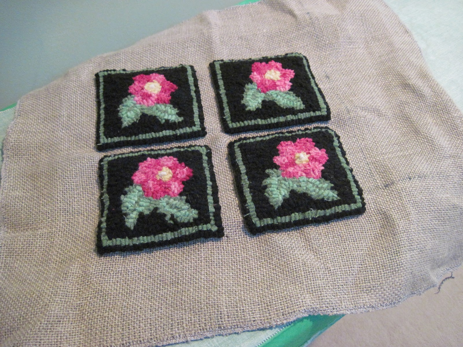 We sew coasters under the hot for the day of lovers